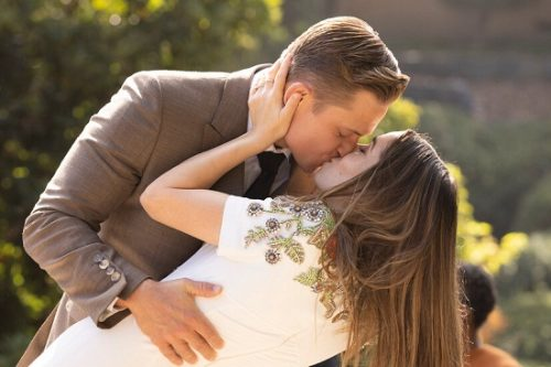 Why expressing love is also beneficial for your relationship